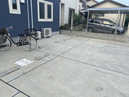 駐車場に「軽」マークをつけました